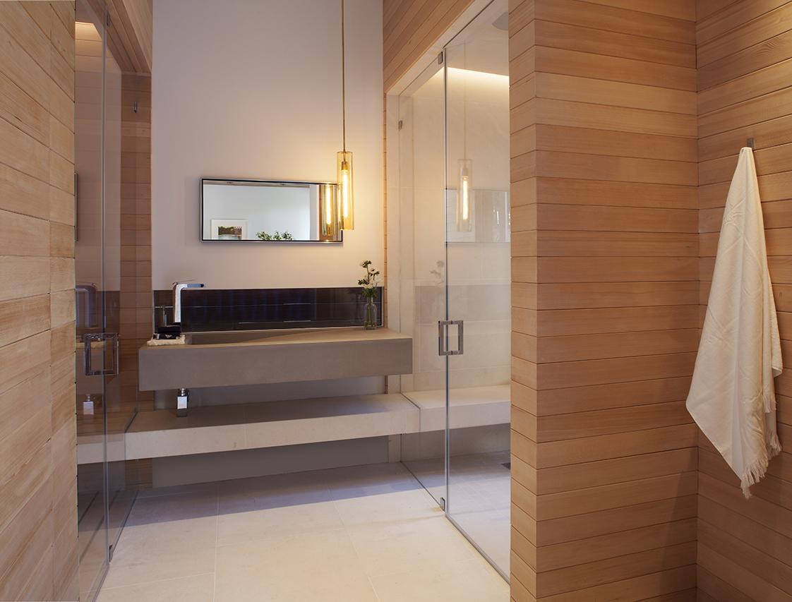 Residence 2750 sauna and shower