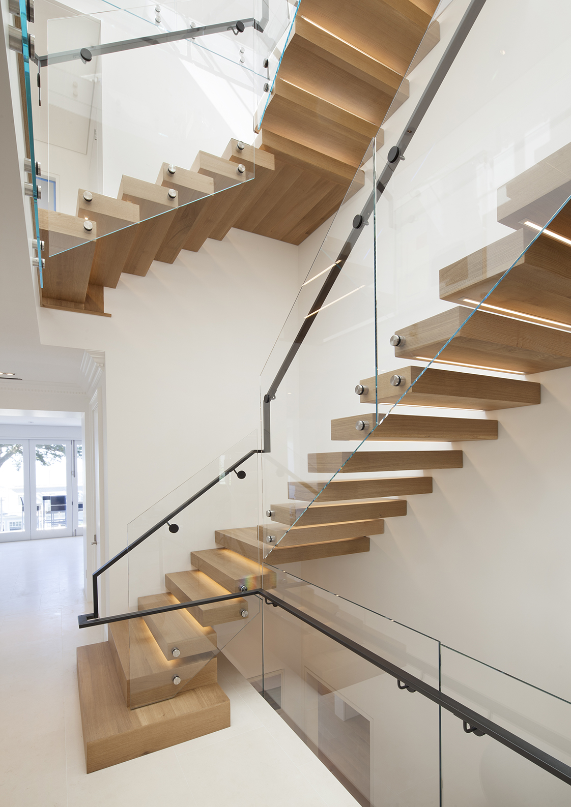 Residence 2750 cantilevered stair