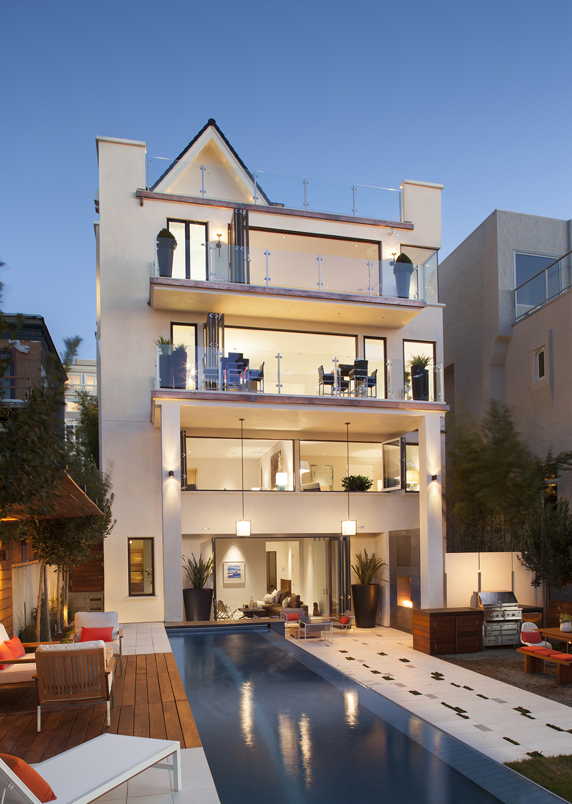 Residence 2750 open rear facade